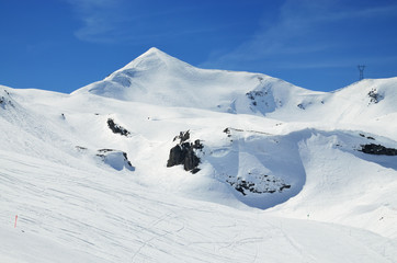 Downhills in the winter Pyrenees
