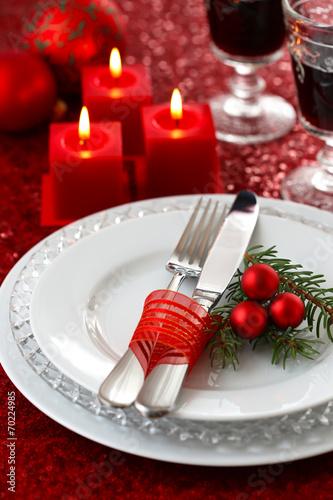weihnachtlich gedeckter tisch stockfotos und lizenzfreie bilder auf bild 70224985. Black Bedroom Furniture Sets. Home Design Ideas