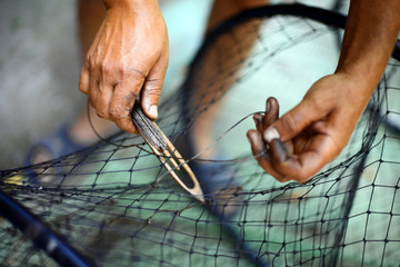 Repairing a fishing net