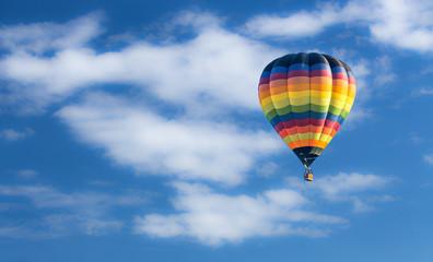 Poster Ballon Hot air balloon over blue sky