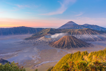 Foto op Canvas Indonesië Sunrise at Bromo mountain