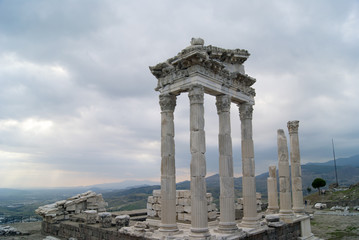 Arch on the ruins of the temple