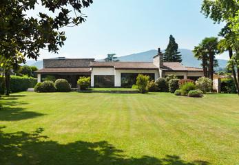 country villa, garden