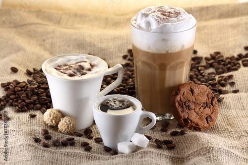 kaffee espresso latte macchiato stockfotos und lizenzfreie bilder auf bild. Black Bedroom Furniture Sets. Home Design Ideas
