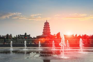 Fotobehang - xian big wild goose pagoda at dusk