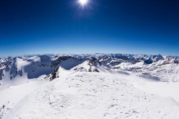 Fototapete - Alpine snowy landscape
