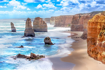 Photo sur Aluminium Australie Twelve Apostles along the Great Ocean Road in Australia