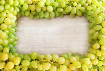 Cornice d'uva bianca