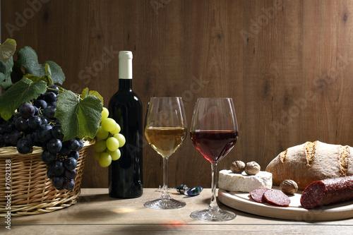 Бочонок, сыр, вино, виноград скачать
