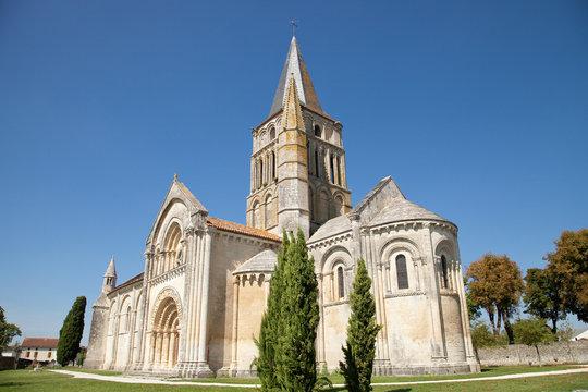 L'église Saint-Pierre d'Aulnay