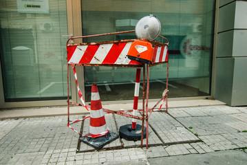 Cantiere rifacimento pavimentazione cittadino, segnaletica