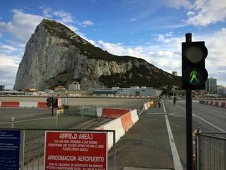 Fußgängerüberweg an Start- und Landebahn Gibraltar