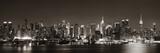 Manhattan nocą. Sztuczne światła.