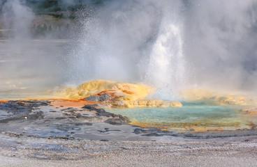 Yellowstone, Geyser, Wyoming, USA