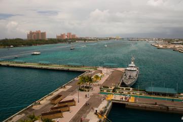 Yachthafen und Kreuzfahrthafen in Nassau auf den Bahamas