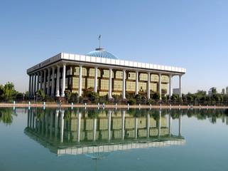 Tashkent pond and Majlis 2007