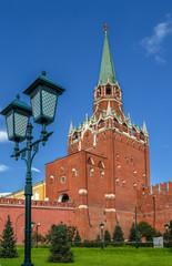 Кутафья башня кремлевской стены в Москве