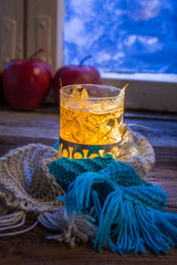 Fototapete - Hot tea in cold evening