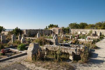 le vieux cimetière de Talmont