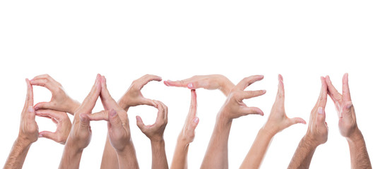 Viele Hände formen das Wort basteln