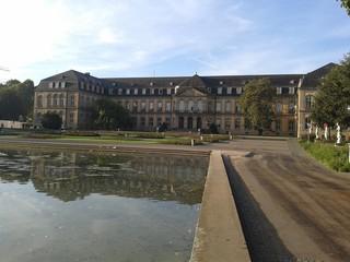 Neues Schloss in Stuttgart in der Seitenansicht