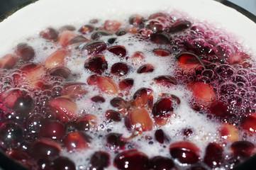 Grape compote boils