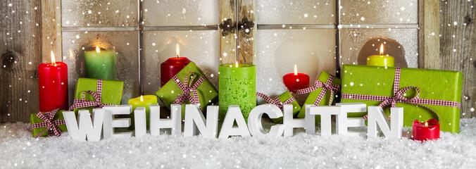 Dekoration weihnachtlich in Grün, Rot, Weiß mit Text