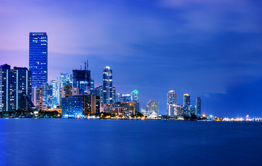 Fototapete - Miami city by night
