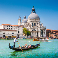 Keuken foto achterwand Gondolas Gondola on Canal Grande with Santa Maria della Salute, Venice