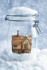 Cottage Snowglobe
