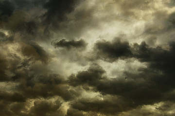 Poster Onweer Dark storm clouds on the sky