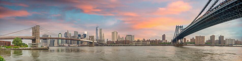 New York City - Stunning panoramic view of Brooklyn and Manhatta
