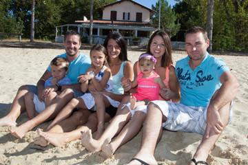Famille sur le sable