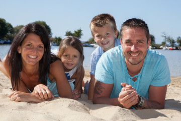 Famille de 4 joie