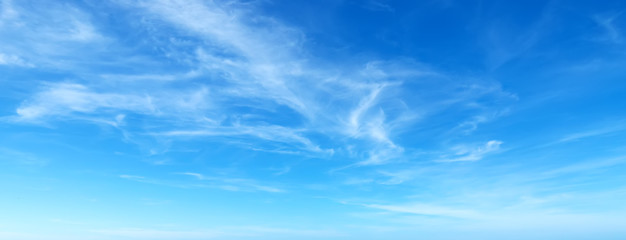Autocollant pour porte Bleu blue sky with clouds