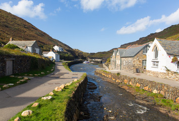 Fototapete - River Valency Boscastle North Cornwall uk blue sky