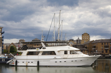 private bay for boats and hatches near Canary Wharf
