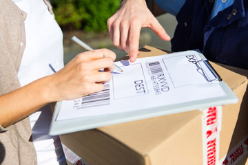 Details of a customer signing delivery note