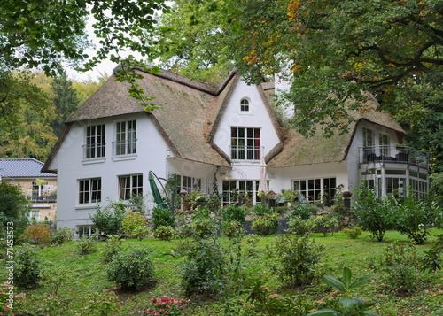 villa nordstil hamburg stockfotos und lizenzfreie bilder auf bild 71453573. Black Bedroom Furniture Sets. Home Design Ideas