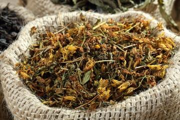 te' foglie secche  in sacco di iuta
