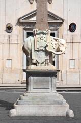 Piękny pomnik słonia na placu della minerva w Rzymie, włochy