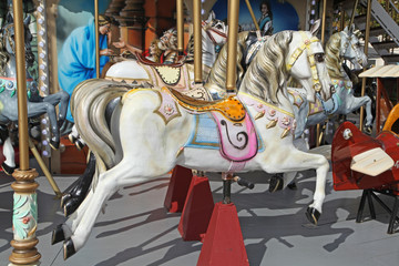 cheval de bois d'un carrousel
