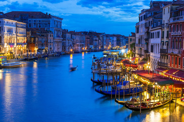 Fototapete - Night view of Grand Canal with gondolas in Venice. Italy