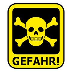 Schwarz-gelbes Gefahrenzeichen mit Totenkopf – freigestellt