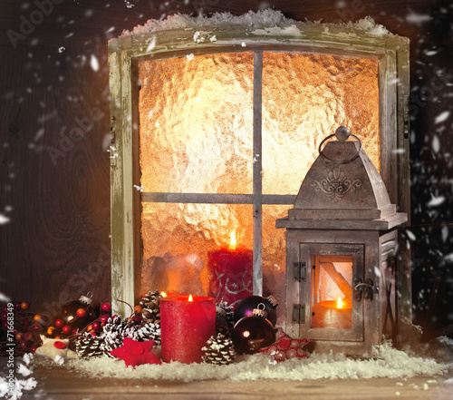 weihnachts fenster dekoration stockfotos und lizenzfreie bilder auf bild 71668349. Black Bedroom Furniture Sets. Home Design Ideas