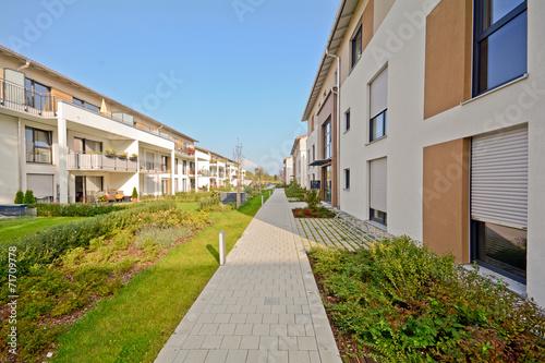 Moderne wohnh user stockfotos und lizenzfreie bilder auf for Moderne wohnhauser