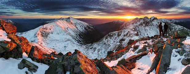 Obraz Majestic sunset in winter mountains landscape - fototapety do salonu