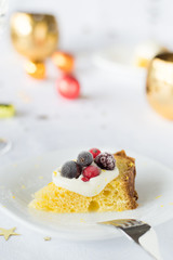 Pandoro with mascarpone cream and berries