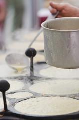Preparing crepes