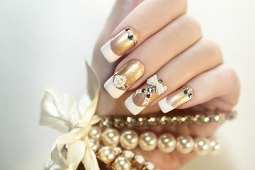 Wall Mural - Жемчужные ногти.
